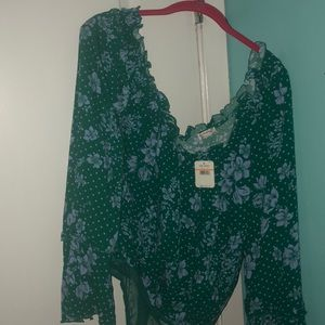FREE PEOPLE TOP! Never worn, new with tags